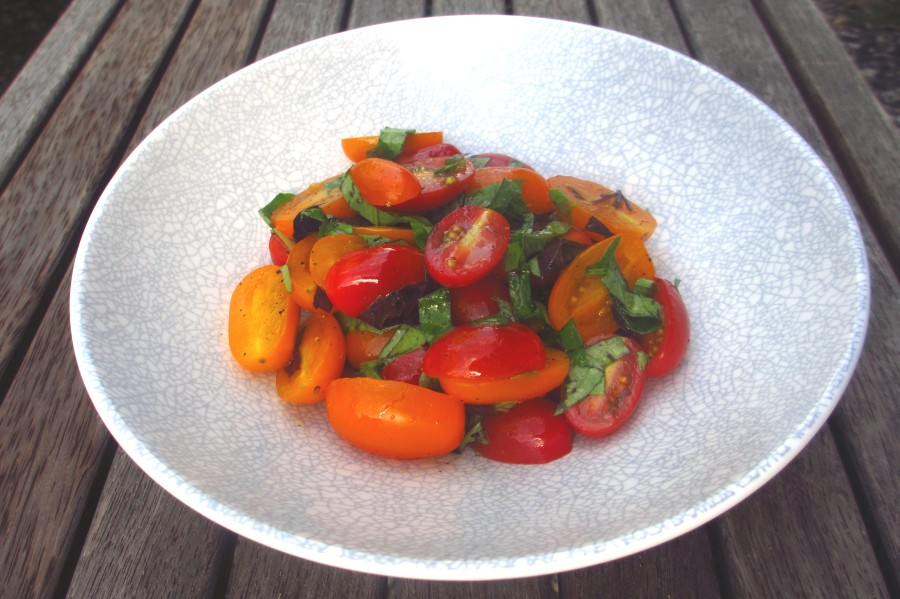 Simple Tomato Salad With Basil