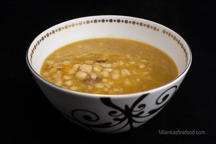 Hearty Bean Soup (juha sa grah, špek ikobasice)